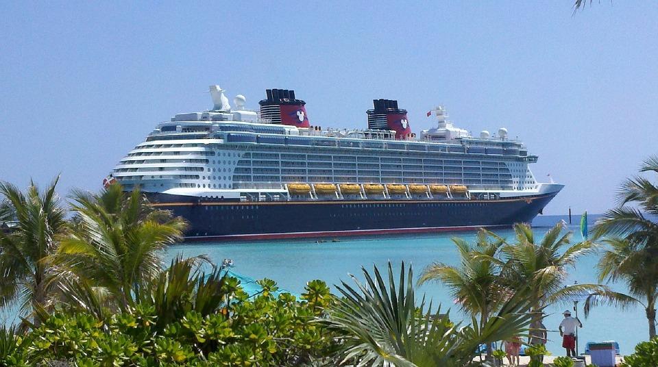 The Big Reveal Surprise Disney Vacation Scavenger Hunt