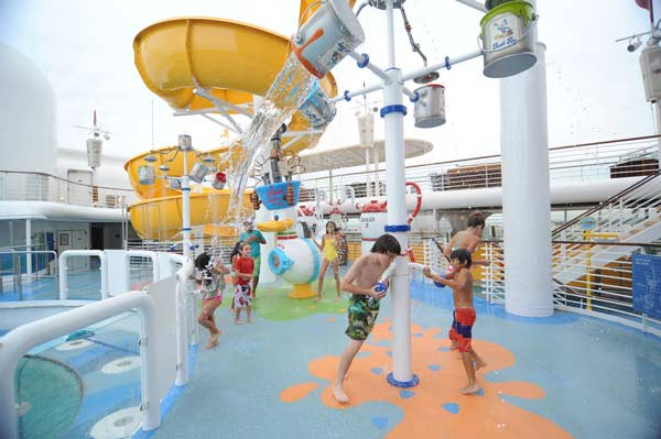 Disney Magic: Nephews Splash Zone