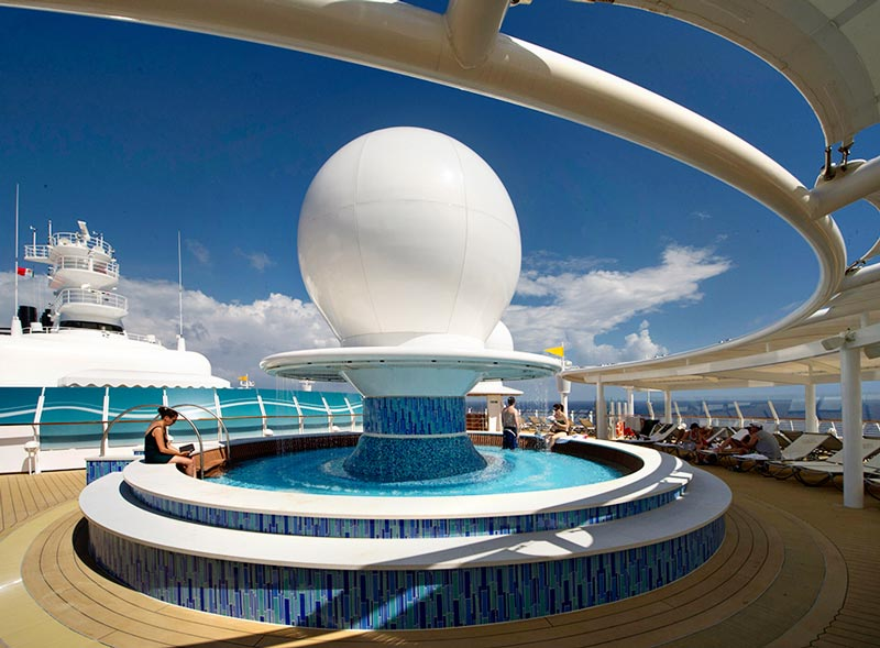 Disney Dream: Satellite Falls Pool