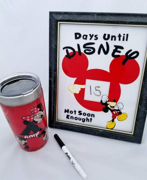 How to make a Disney Vacation Countdown with Cricut