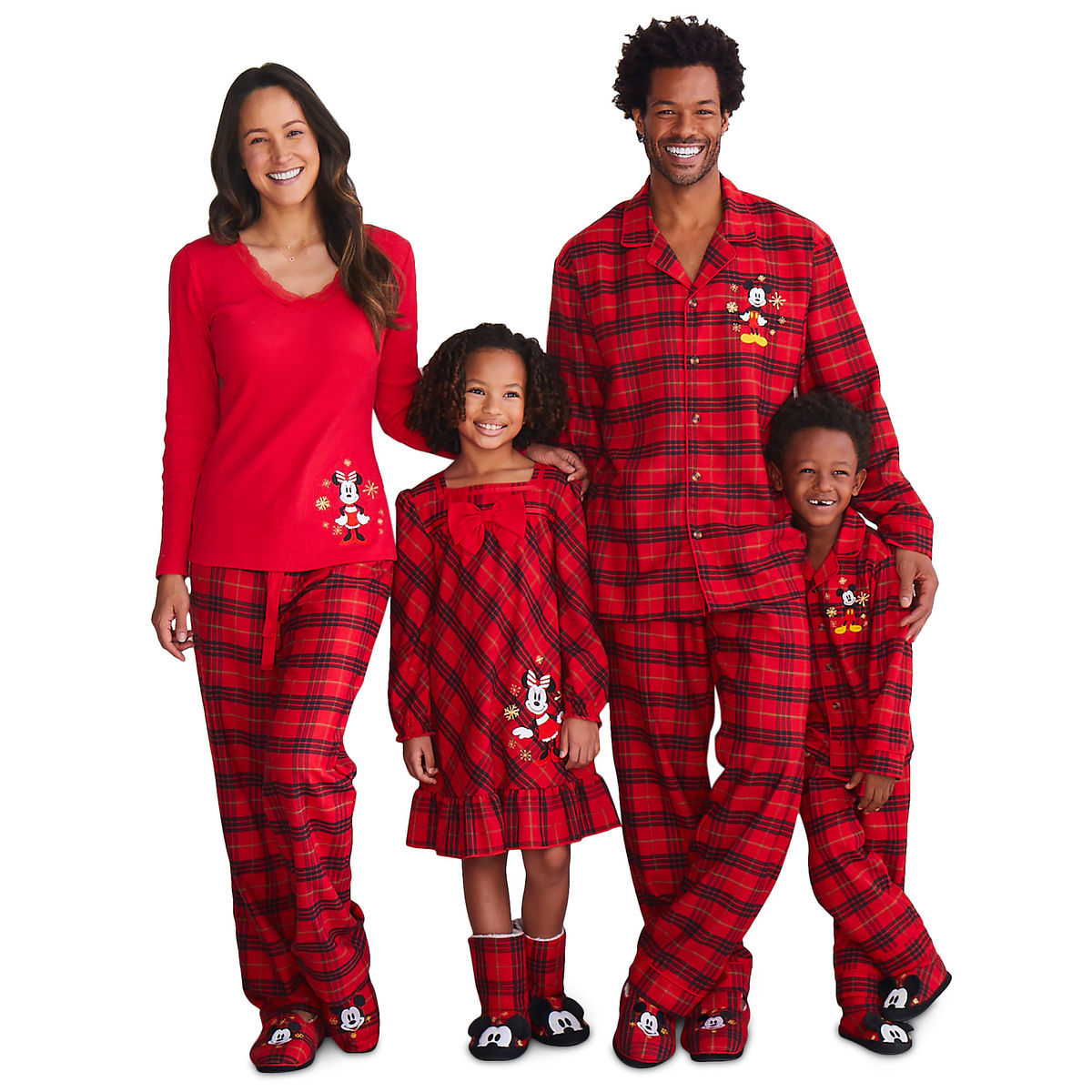 3d5eea871 10 Photo-Worthy Matching Disney Pajamas for Christmas (Nov. 2018)