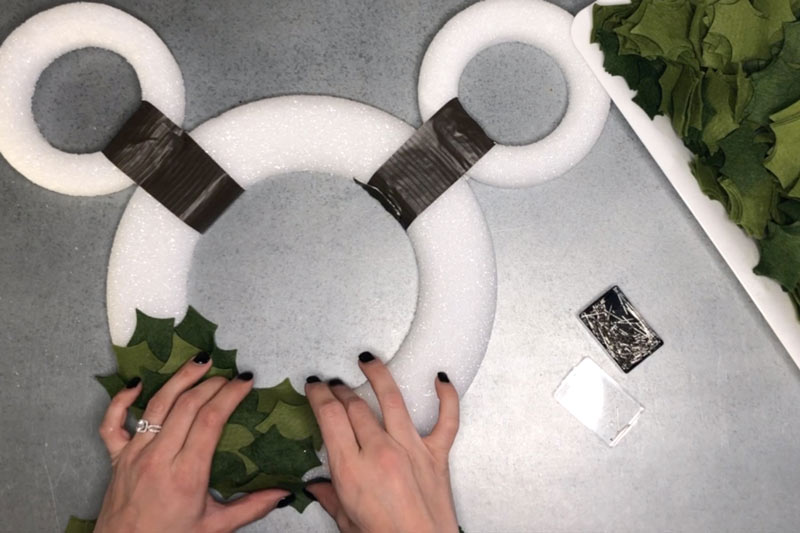 How to Make a Mickey Mouse Inspired Christmas Wreath with Cricut