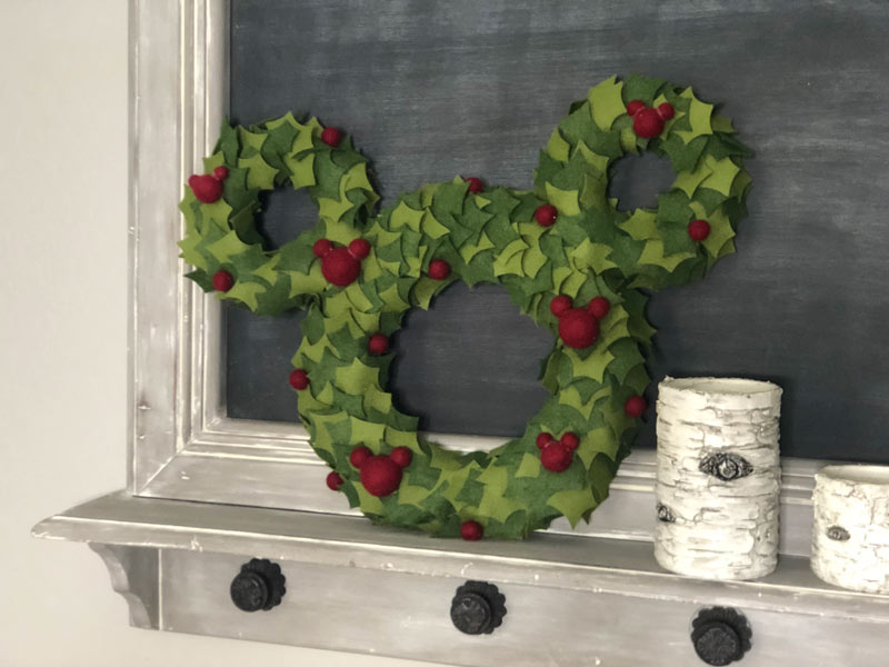 How to make Mickey Mouse wreath