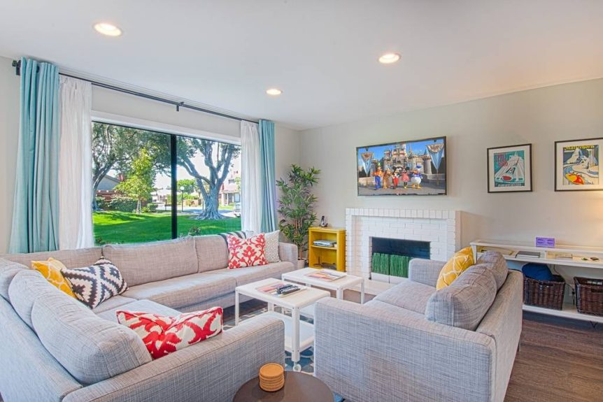 Amazing Anaheim Airbnb rental for up to 9 people
