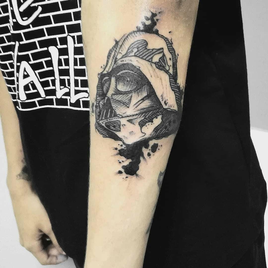 Undetailed Darth Vader mask tattoo