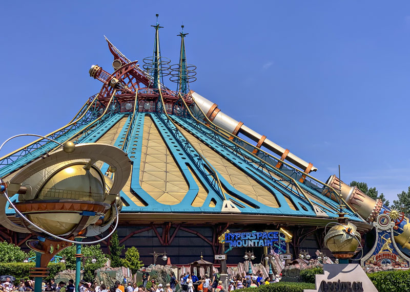 Hyperspace Mountain at Disneyland Paris is different than Space Mountain in USA