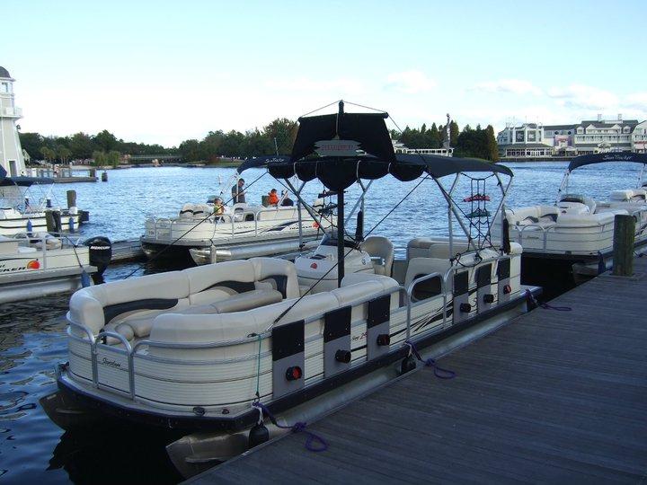 Boats for rent at Bayside Marina