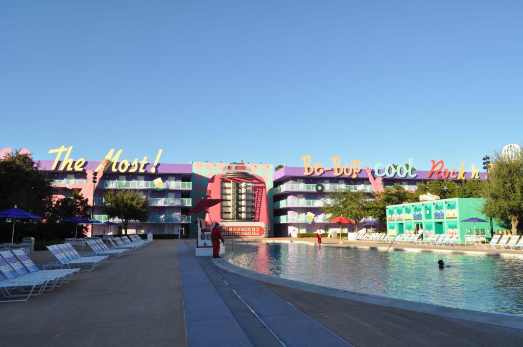 Exterior of Pop Century resort hotel